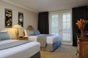 03-beverly-hills-plaza-hotel
